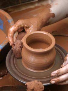 pieza ceramica y esponja, torno ceramica segunda mano, torno alfarero segunda mano, venta de tornos para alfareria, torno alfarero precio, comprar torno alfarero